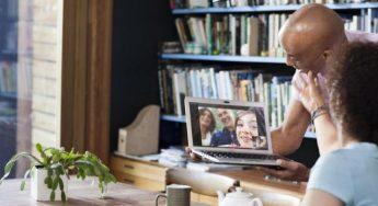 families-chat-via-laptop-xlarge-696x435